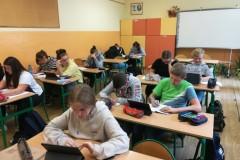 Tablety  na lekcji j. polskiego IX 2020
